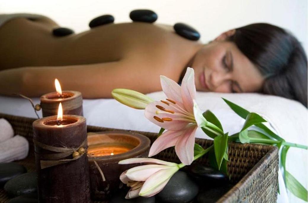 massage_aux_pierres_chaudes